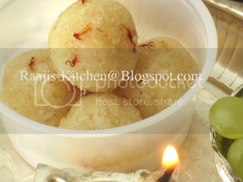 Kobbari/Coconut Laddoo 